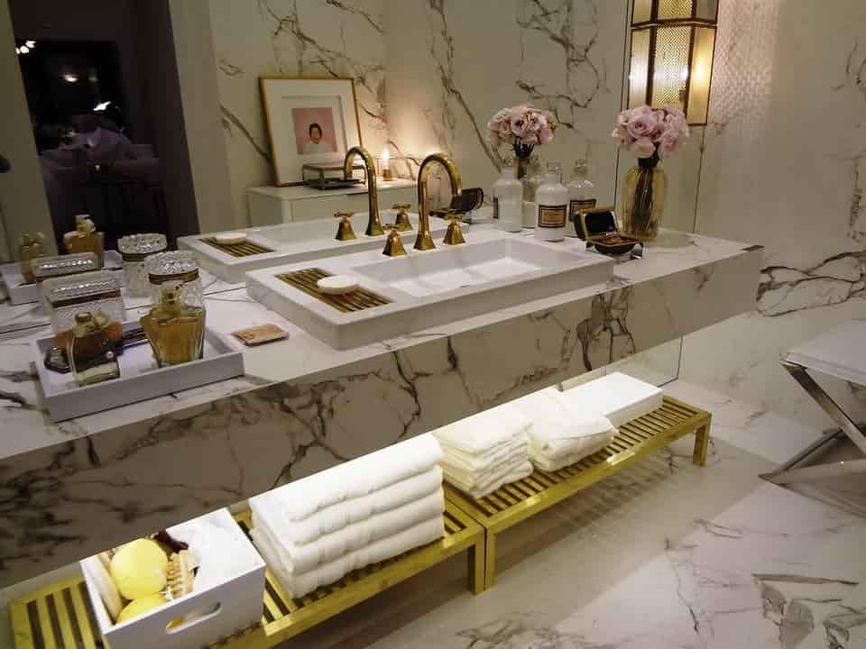 """be2e456aef21 """"Modern és hagyományos fürdőszoba bútor """""""